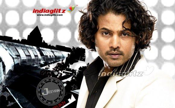 IndiaGlitz - Bollywood Actor